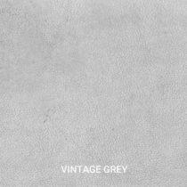 Ledermuster von unseren Indurstriedesign Möbeln. Echtes Büffelleder in der Farbe Grau. Muster kann man einfach Bestellen.